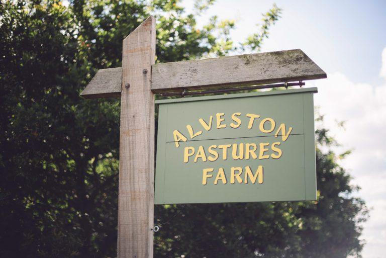 Alveston Pastures Farm Sign